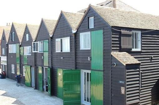 huts-1-6