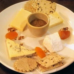 Steve chose the Cheese plate: Boy Laity Cornish Camembert, Lyburn Gold, Cheviot andBrighton Blue served with homemade chutney, dried fruit, nuts and crackers